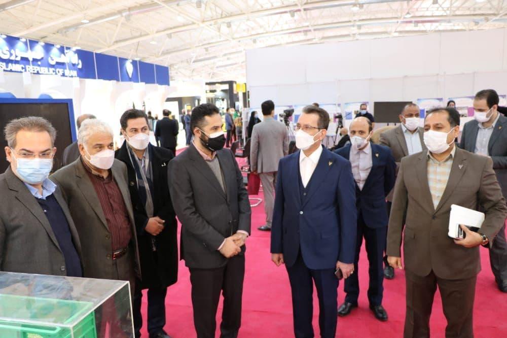 بازدید معاون وزیر راه و شهرسازی از غرفه شرکت چند وجهی فولاد لجستیک
