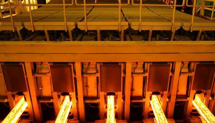 تولید بیش از ۴۲۴ هزار تن شمش داخلی در فولاد خراسان در سال ۹۹