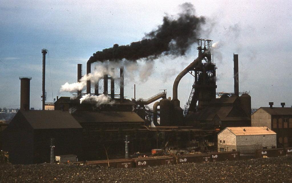 سهم ۹درصدی فولادسازان جهان در تولید گازهای گلخانه ای در سال ۲۰۲۰ میلادی