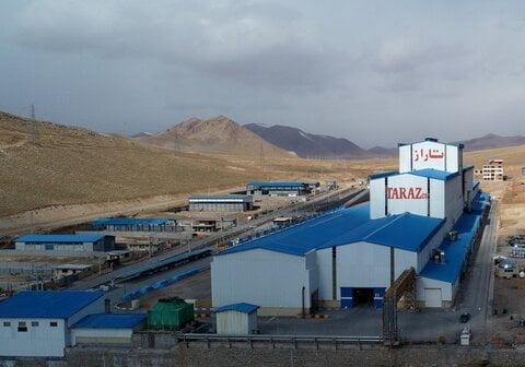 توزیع  ۵ هزار ماسک رایگان در مناطق کمتر برخوردار توسط شرکت فولاد تاراز