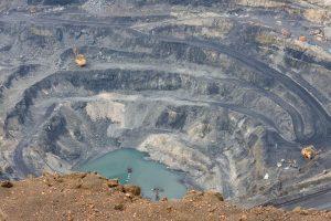 روسیه در حال بررسی مالیات بر استخراج و مالیات بر سود بیشتر برای شرکت های فلزی است